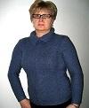 пуловер из серо-голубой пряжи